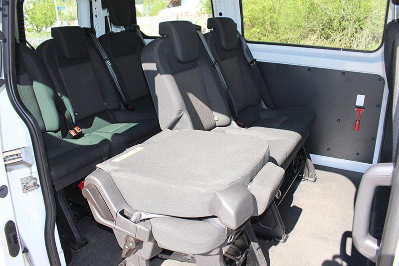 Vermietet-KF-N-2100-Ford-9-Sitzer-Bus-innen2